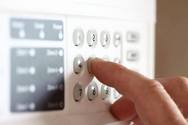 zabezpečení domu alarmem