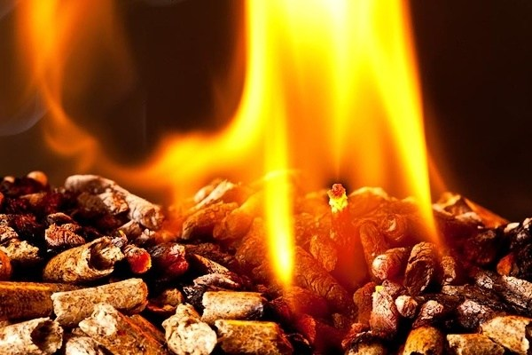 topení peletami