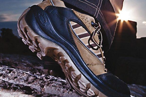 Hledáte obutí do zaměstnání  Zkuste kotníkovou pracovní obuv ... eeac45b963