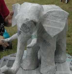 papírový slon