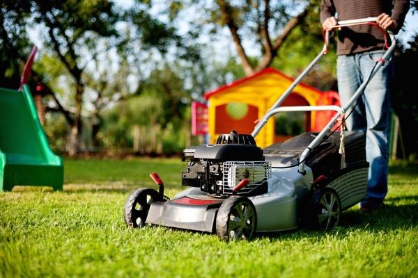 péče o trávnk